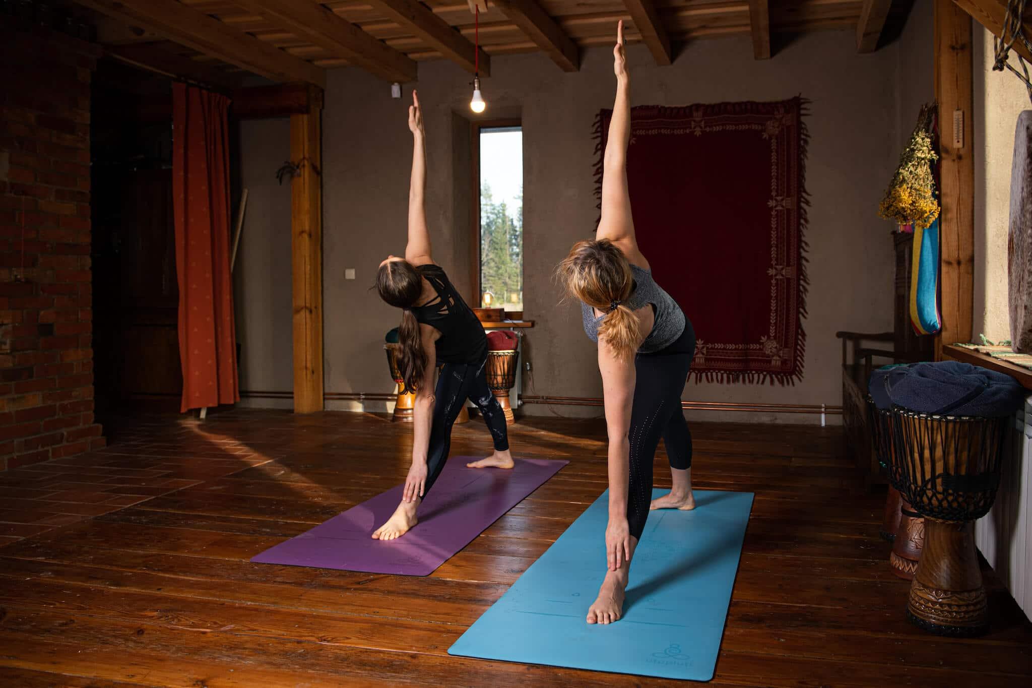 Jaka mata do jogi? Jak wybrać matę do jogi.